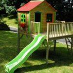 Jak zbudować drewniany domek dla dziecka w ogródku?