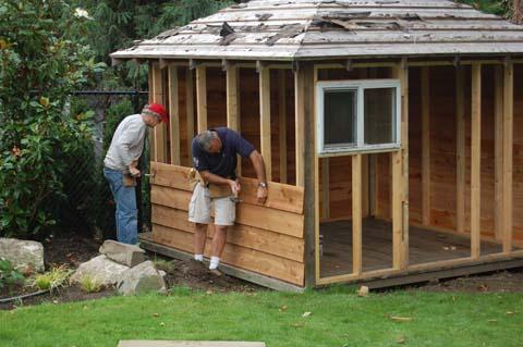 budowa-domku-ogrodowego