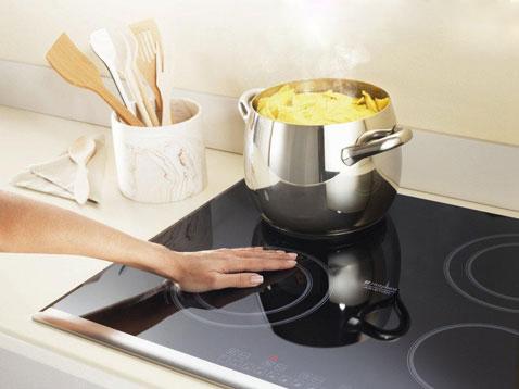 Jak usunąć tłuszcz kuchenki?