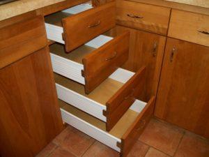 szafka-do-kuchni-z-szufladami