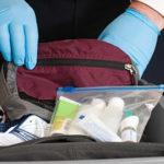 Jak przewieźć leki w bagażu podręcznym?