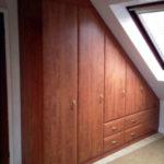 Jak zbudować szafę pod skosem?