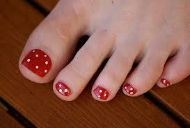Jak samemu ozdobić paznokcie u nóg